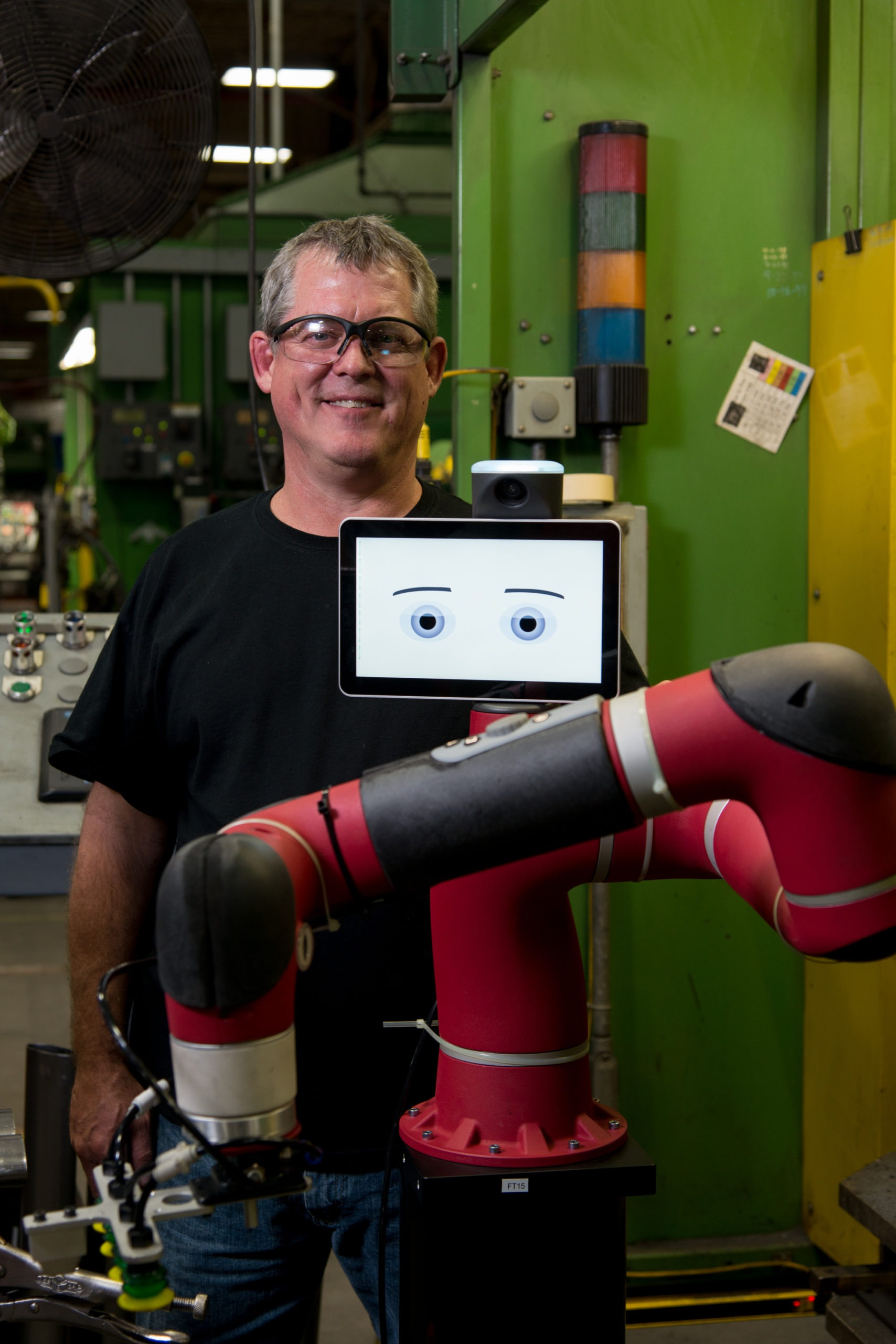 Interaction homme-robot - Le robot Sawyer chez Steelcase
