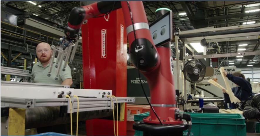YFAI déploie deux robots sawyer