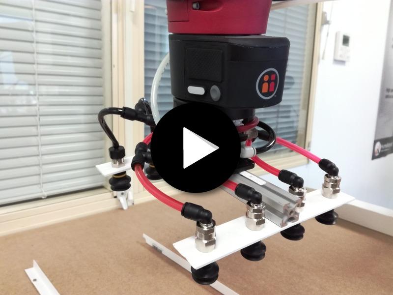 le robot collaboratif sawyer sur une mise en carton humarobotics. Black Bedroom Furniture Sets. Home Design Ideas