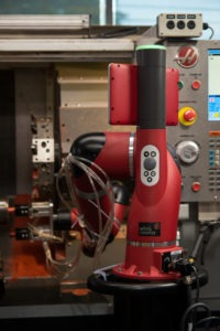 Bras robotique collaboratif SAWYER chez Tuthill