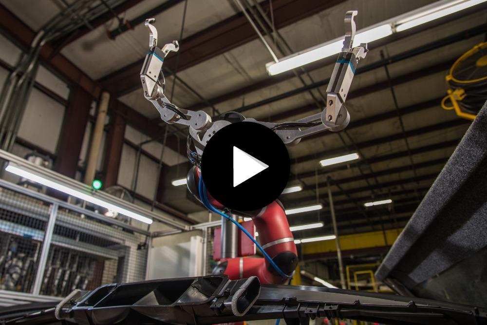 Robot collaboratif Sawyer intègre Tennplasco, industrie plastique
